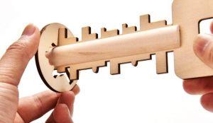 Головоломка деревянная Ключ (16 см)
