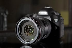 Canon EOS 5D Mark III Kit Canon EF 24-70mm f/2.8L II USM
