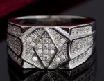Посеребренное мужское кольцо-печатка с цирконами (арт. 264004)