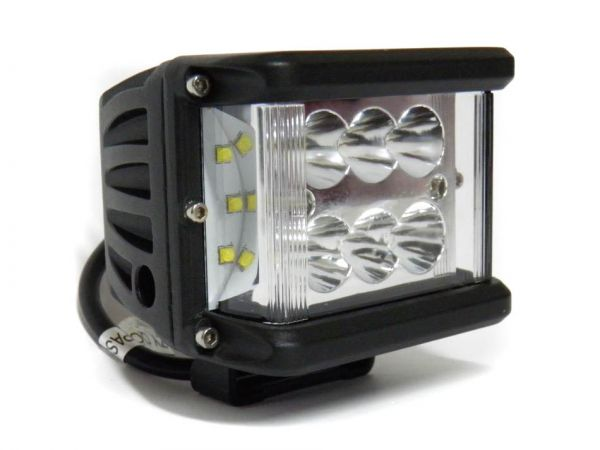 Светодиодная прямоугольная LED фара рабочего света 60W с углом свечения 180°