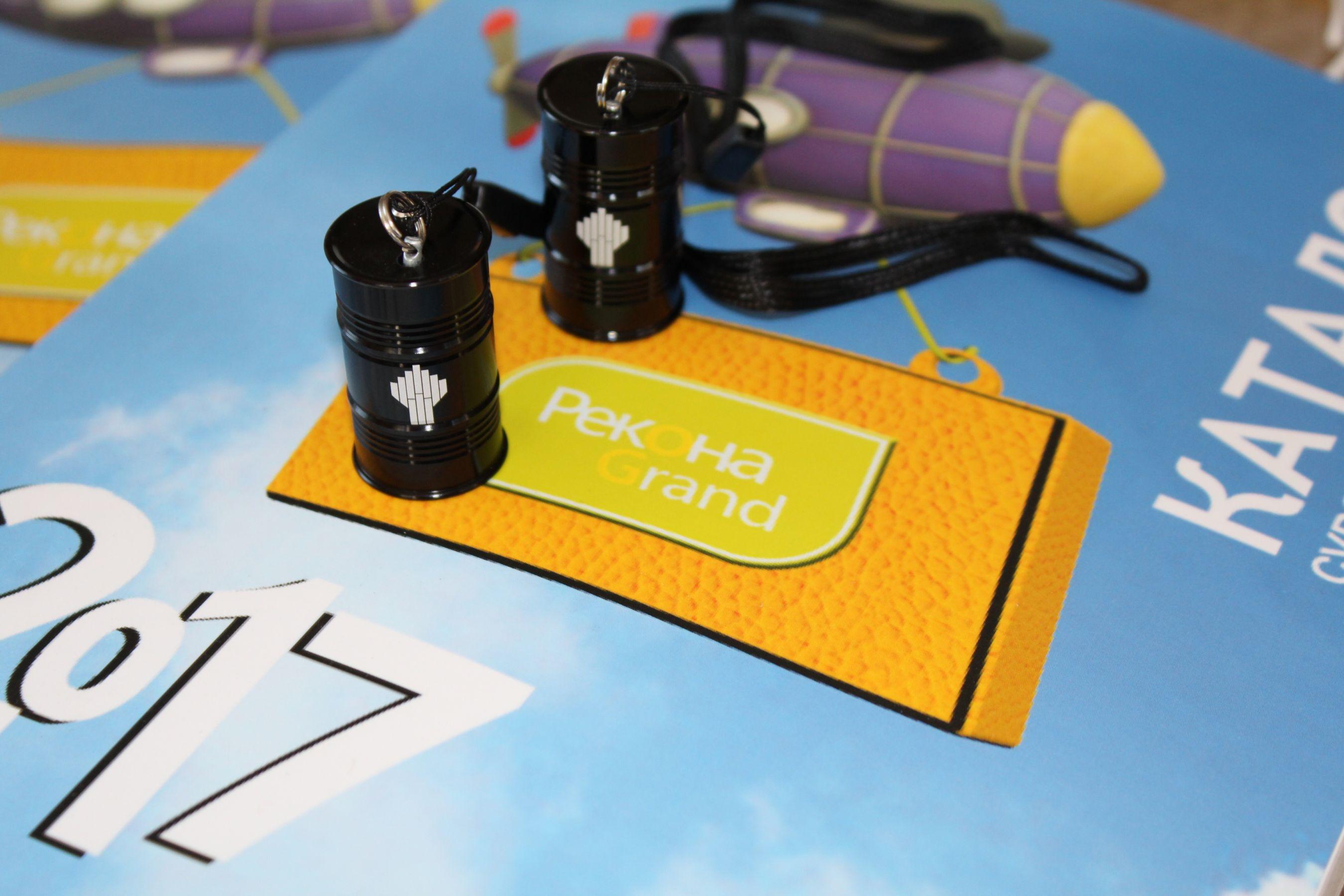 флешки бочки с гравировкой на заказ