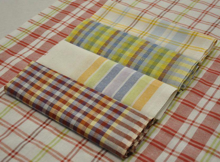 Кухонное льняное полотенце.