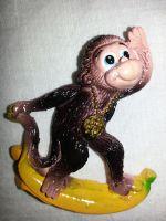 Магни на холодильник обезьянка 002-4