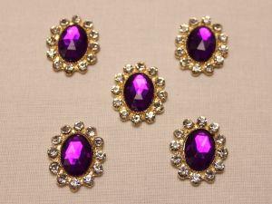 Кабошон со стразами, овал, цвет основы: золото, цвет стразы: фиолетовый, размер: 23х19мм (1уп = 10шт)