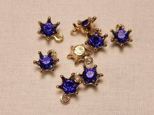 """Подвеска со стразами """"Корона"""", цвет основы: золото, цвет стразы: синий, размер: 12х15мм (1уп = 10шт)"""