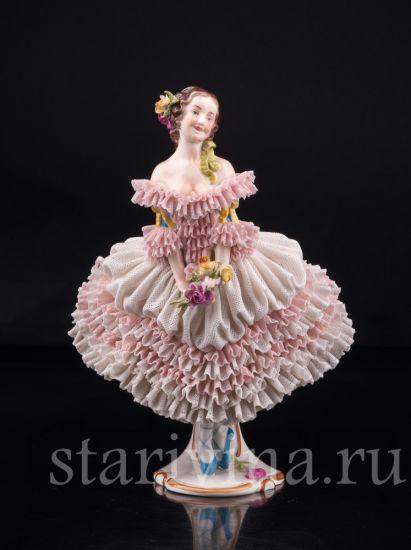 Изображение Балерина с букетом, кружевная, Volkstedt, Германия, сер. 20 в