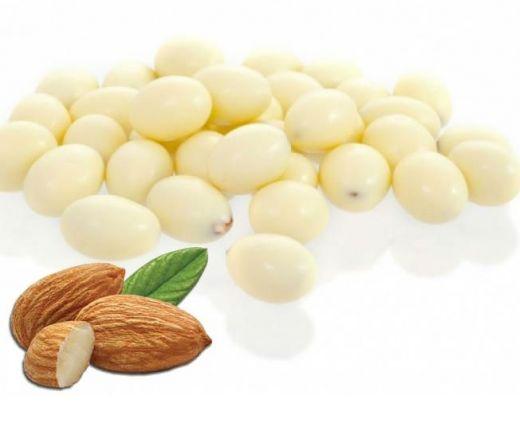 Миндаль в белом шоколаде
