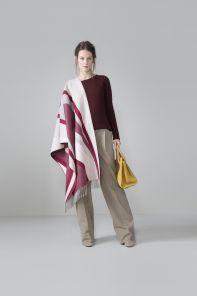 Роскошная  плотная шотландская  шаль, высокая плотность, 100 % драгоценный кашемир , расцветка винного цвета Мерло Arches Merlot Арчес Мерлот