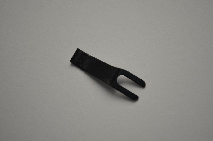 Нож не подвижный PFAFF 91-264338-15 (1481/1483/1487/2481/2483/5463/5483/5489/3566/3568/3588/3819/3822/3827)