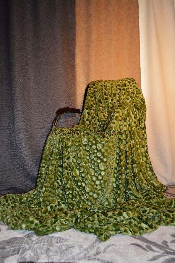 Меховое покрывало Капельки (Зелёное)