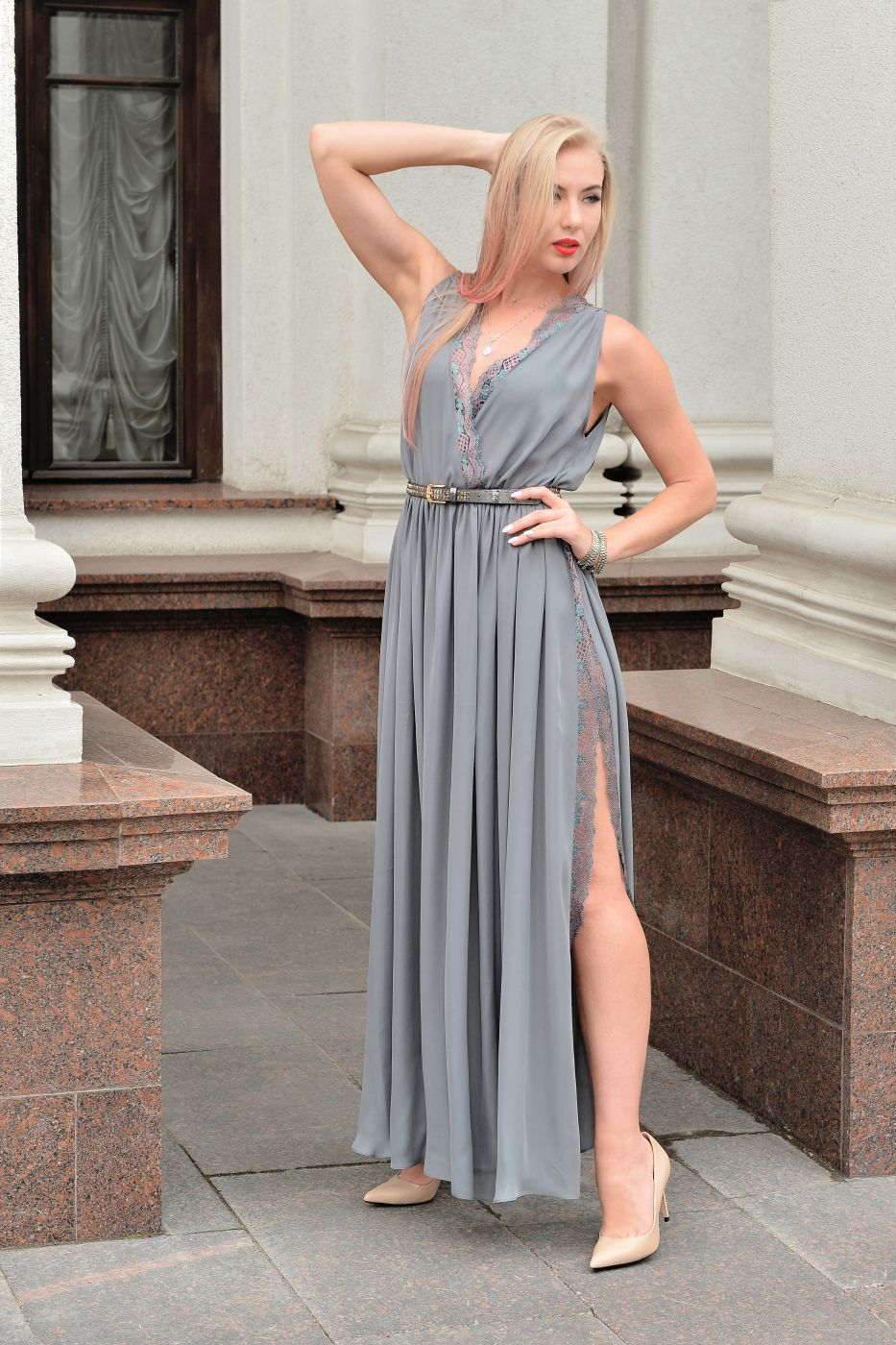Длинное шёлковое платье с разрезом под заказ