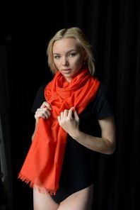 легкий тонкорунный экстра широкий шарф, Томатной цвет  , Tomato Merino Tartan 100% шерсть мериноса,   плотность 2