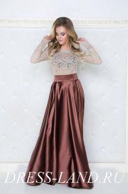 Коричневая атласная юбка с блузой