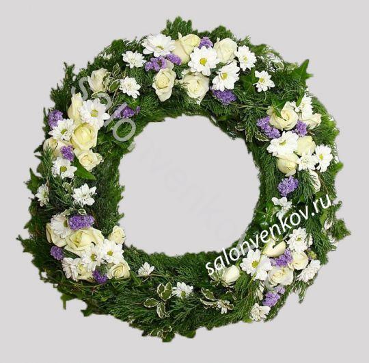 Элитный траурный венок из живых цветов №41, РАЗМЕР 60см