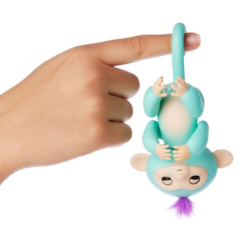 обезьянка  Fingermonkey - цепляется хвостом