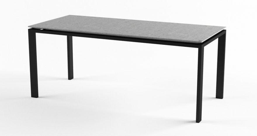 Обеденный стол из бетона
