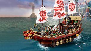 Конструктор Lepin Ninjasaga Летающий корабль мастера Ву 06057 (Аналог LEGO Ninjago Movie 70618) 2345 дет