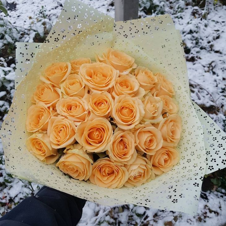 Пионовидныый букет из роз