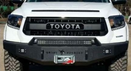Передний силовой бампер Toyota Tundra 2014-2017