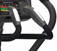 Контурные эргономичные рукоятки с датчиками пульса и клавишами управления для большего комфорта