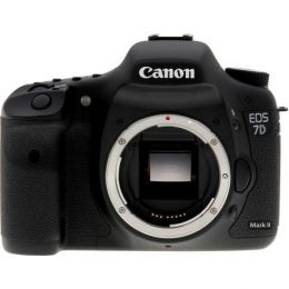Canon EOS 7D Mark II kit 24-105 mm is usm