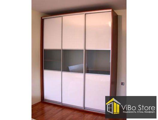 Шкаф купе трехдверный с прозрачным стеклом