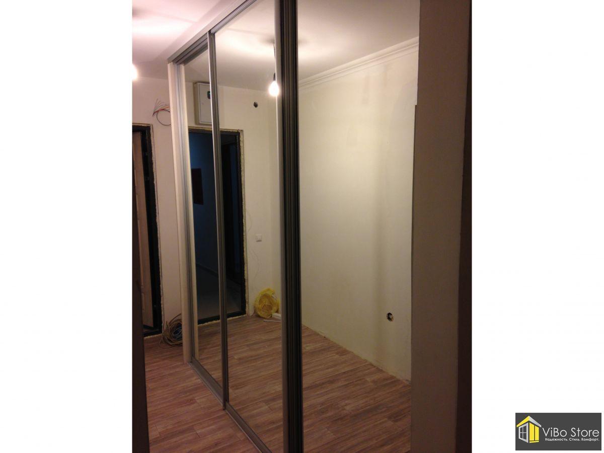 Шкаф купе зеркальный на высоту потолка