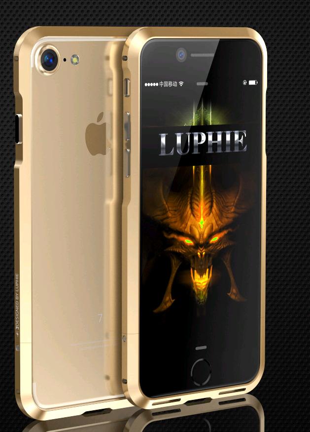 Алюминиевый бампер Luphie Blade Sword для Apple iPhone 7/8 (Золотой)