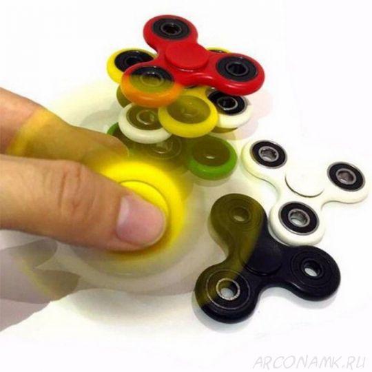 Игрушка-антистресс спиннер в подарок при заказе* от 2 500 рублей.