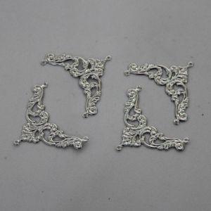 "Декоративный элемент ""филигрань"" уголок 38х29 мм, цвет темное серебро (1уп = 50шт)"