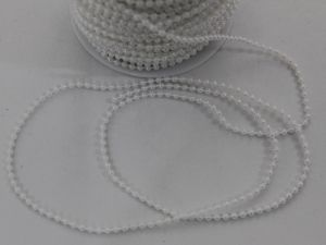 Бусы на нити, диаметр 3 мм, длина 50м, цвет белый