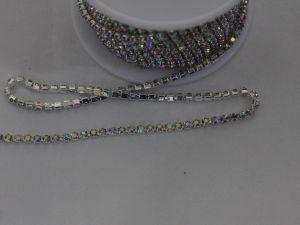 Стразы на цепочке серебро, размер 2,4 мм, длина 10 ярдов, цвет страз: хамелеон