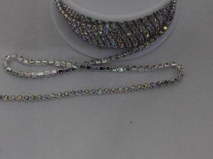 `Стразы на цепочке серебро, размер 2,4 мм, цвет страз: хамелеон