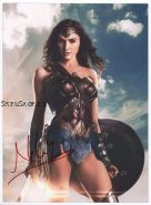 Автограф: Галь Гадот. Чудо-женщина, Лига справедливости