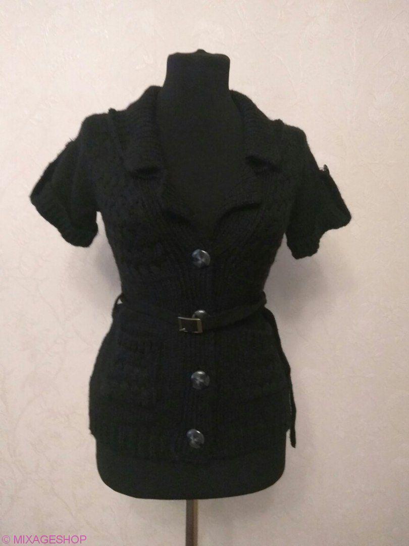 Кофта черного цвета с коротким рукавом