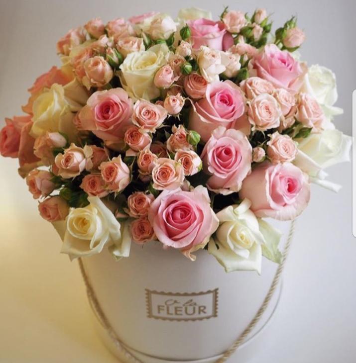 Шляпная коробочка из роз