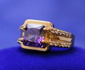 Позолоченное кольцо с искусственным аметистом (арт. 900586)