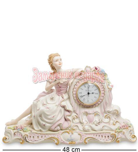 """Часы """"Девушка с цветами""""  (Sabadin Vittorio)"""