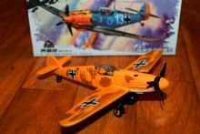 Цветная сборная модель Мессершмитт Bf 109 1/49 (разные цвета)