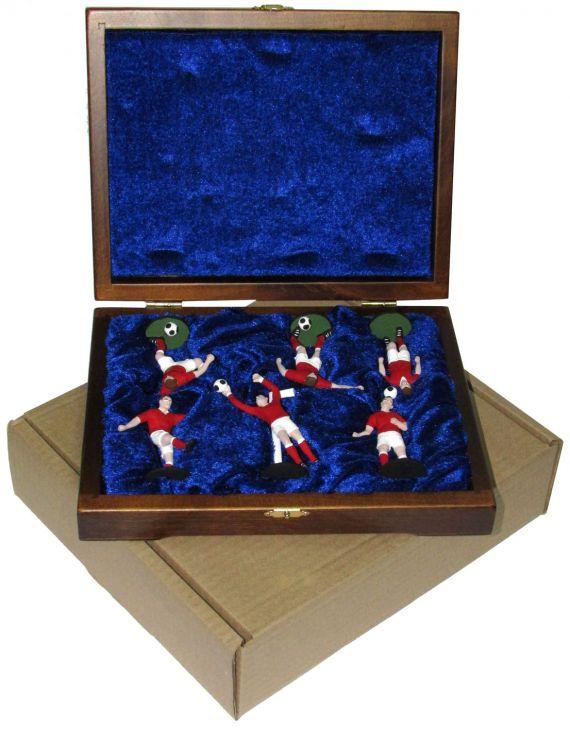 """Набор миниатюр в деревянной шкатулке """"ФУТБОЛ"""" 6 фигур (красно-белая форма)"""