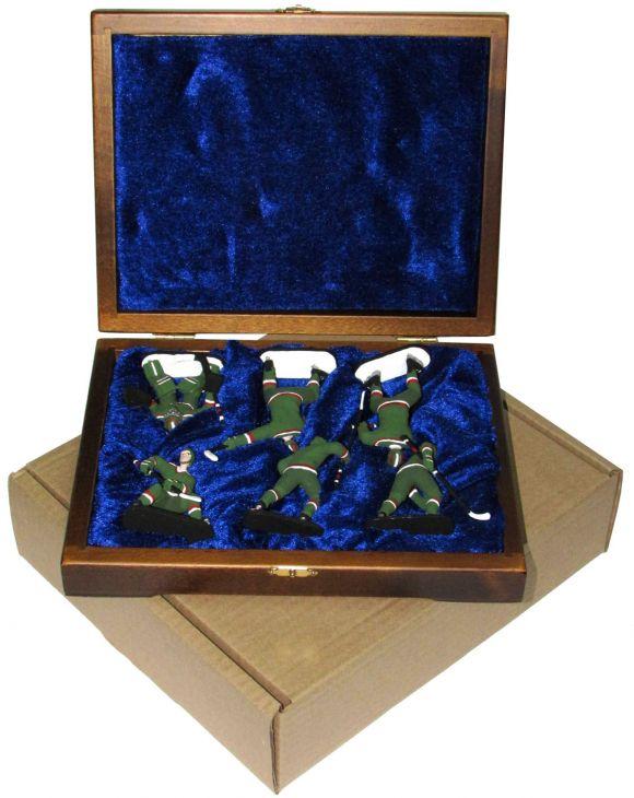 """Набор миниатюр в деревянной шкатулке """"ХОККЕЙ"""" 6 фигур (зеленая форма)"""