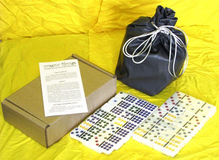 Домино профессиональное D9 с цветными точками в сером мешочке из кожзаменителя