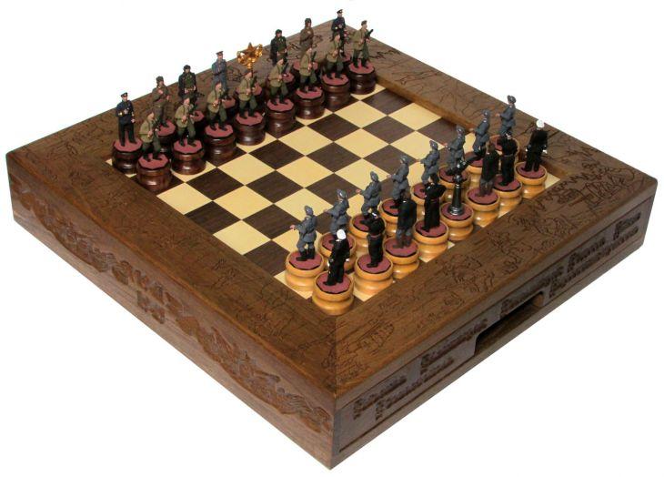 Шахматы исторические эксклюзивные с фигурами из цинкового сплава покрашенными в полу коллекционном качестве