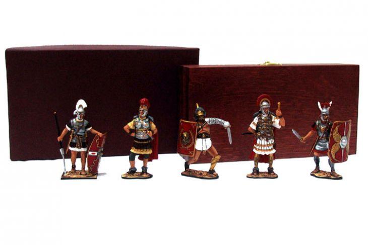 """Набор миниатюр в деревянной шкатулке """"Великий Рим"""" (5 фигур)"""