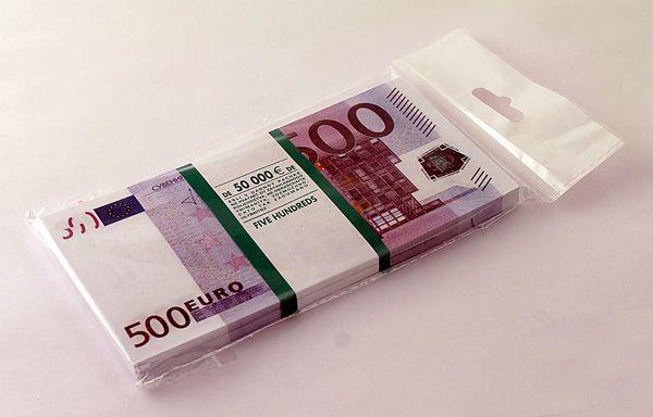 Забавная Пачка 500 евро