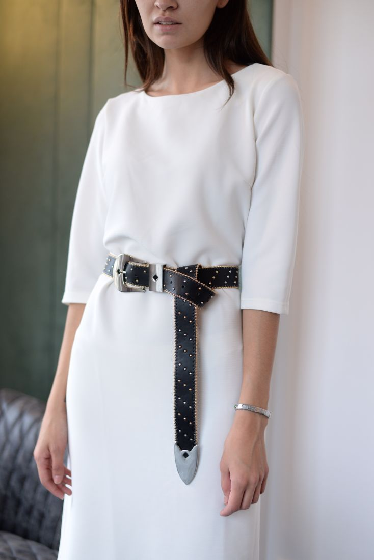m879 Платье базовое из трикотажа белое