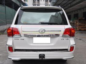 Хромированная накладка на 5ю дверь (Тип 2) для Toyota Land Cruiser 200