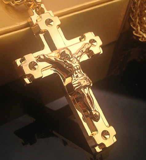 Массивный нательный крест-распятие