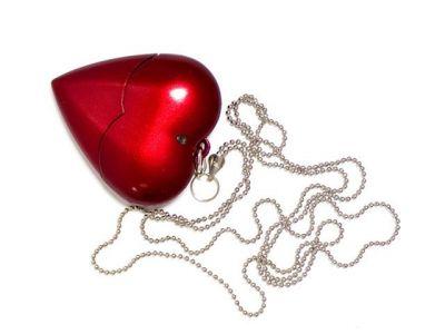 16GB USB-флэш накопитель Apexto U701A пластиковое сердце красное