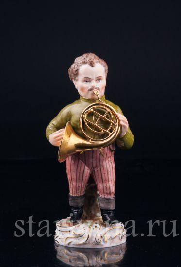 Антикварная старинная фарфоровая статуэтка Трубач производства Potschappel, Германия, 19 в.